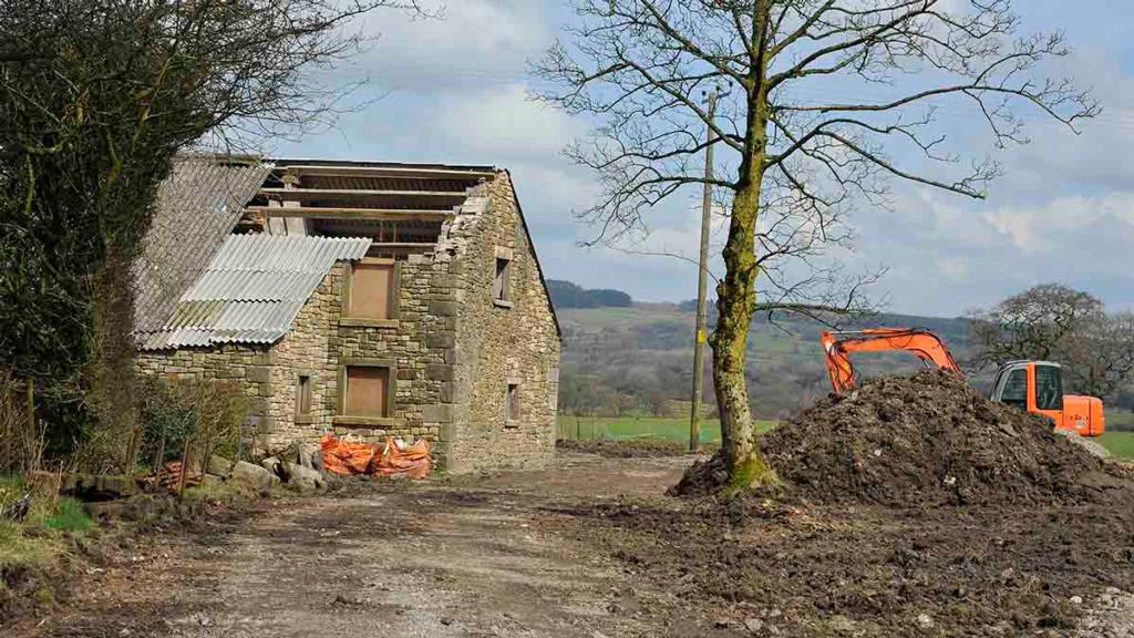 Agricultural buildings in demand for workshops and storage