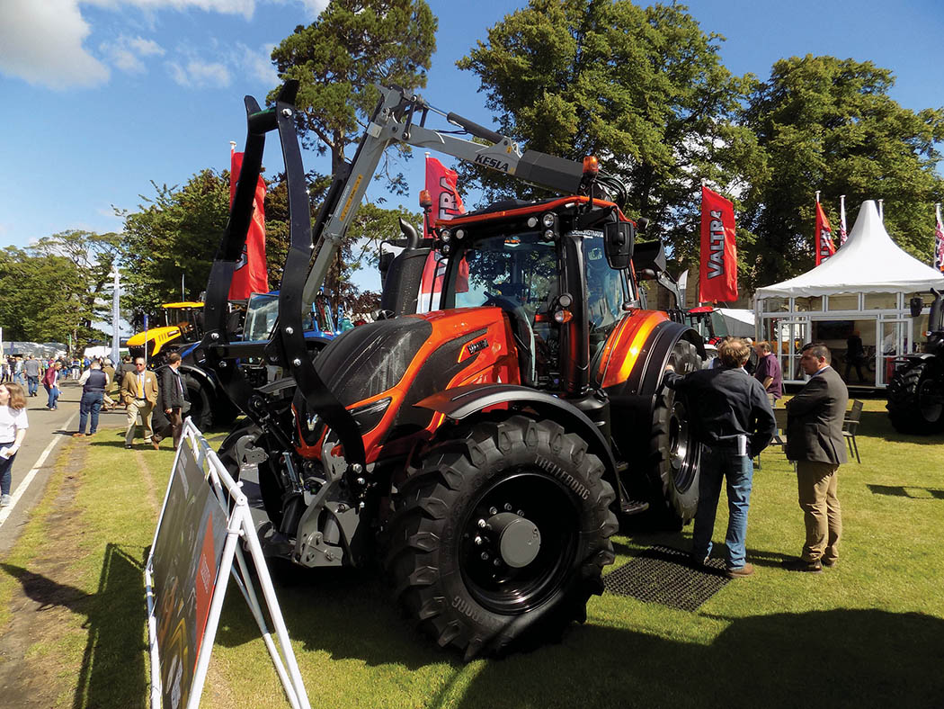 Valtra shows off Unlimited tractors
