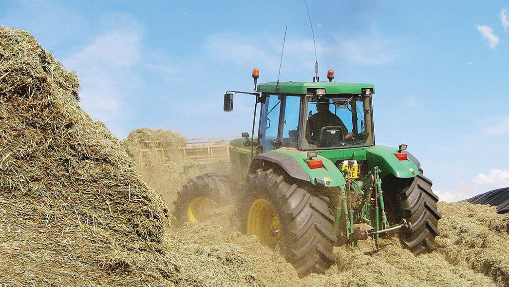 User story: Classic John Deere 7810 still earning its keep