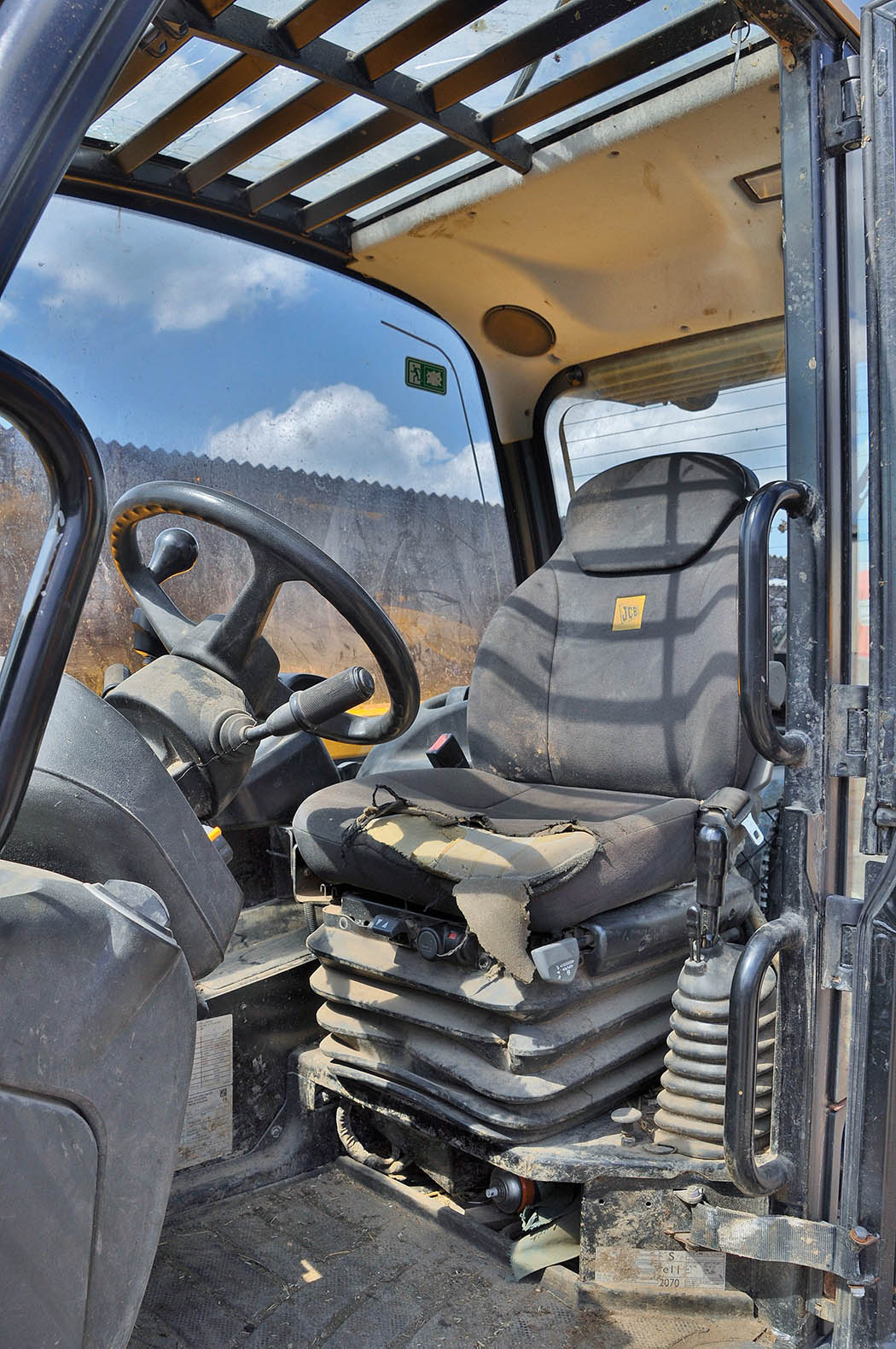 User story: JCB's AgriPro put through its paces - INSIGHTS - Farmers