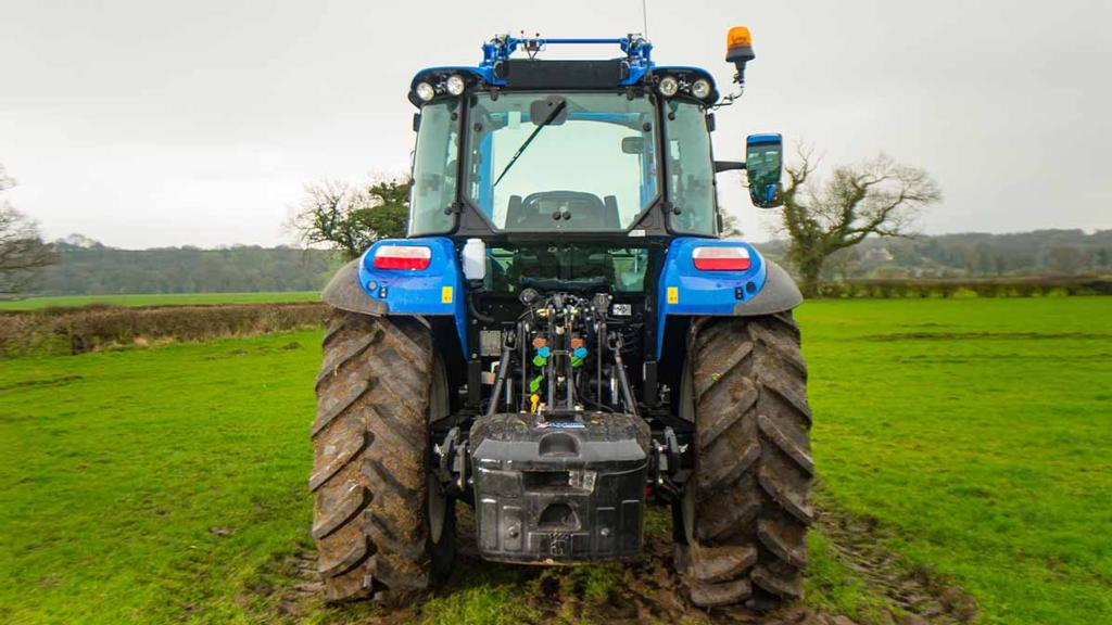 PRACTICALITIES & MAINTENANCE: NEW HOLLAND T5.105 UTILITY