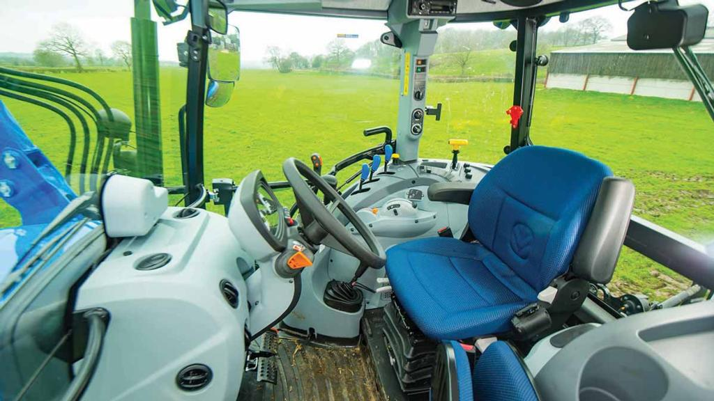 CAB & CONTROLS: NEW HOLLAND T5.105 UTILITY