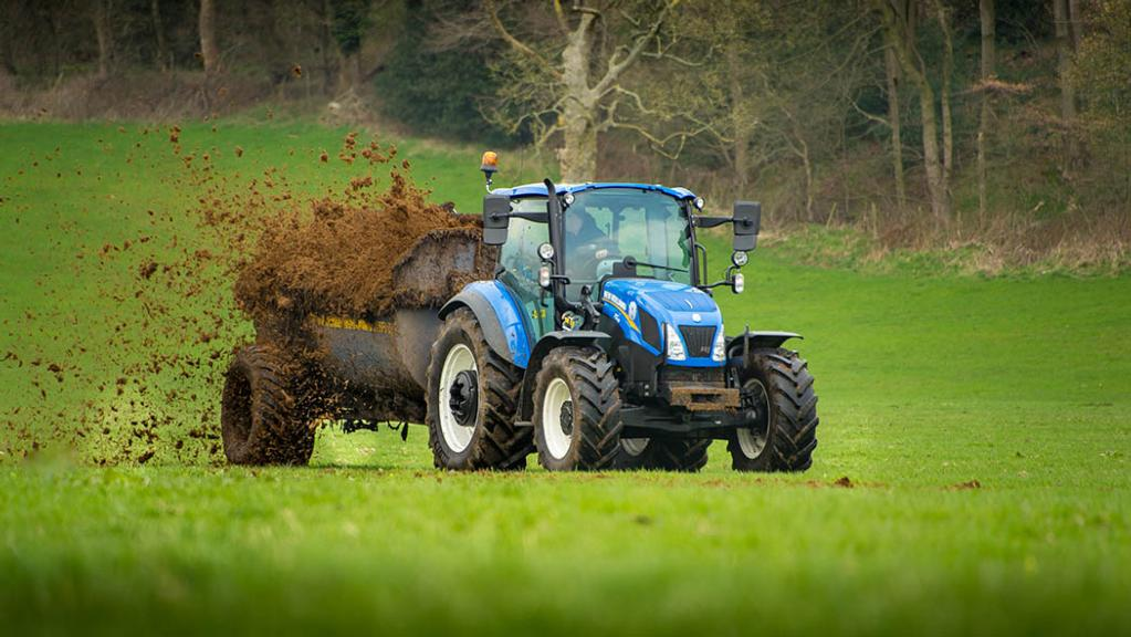HANDLING: NEW HOLLAND T5.105 UTILITY