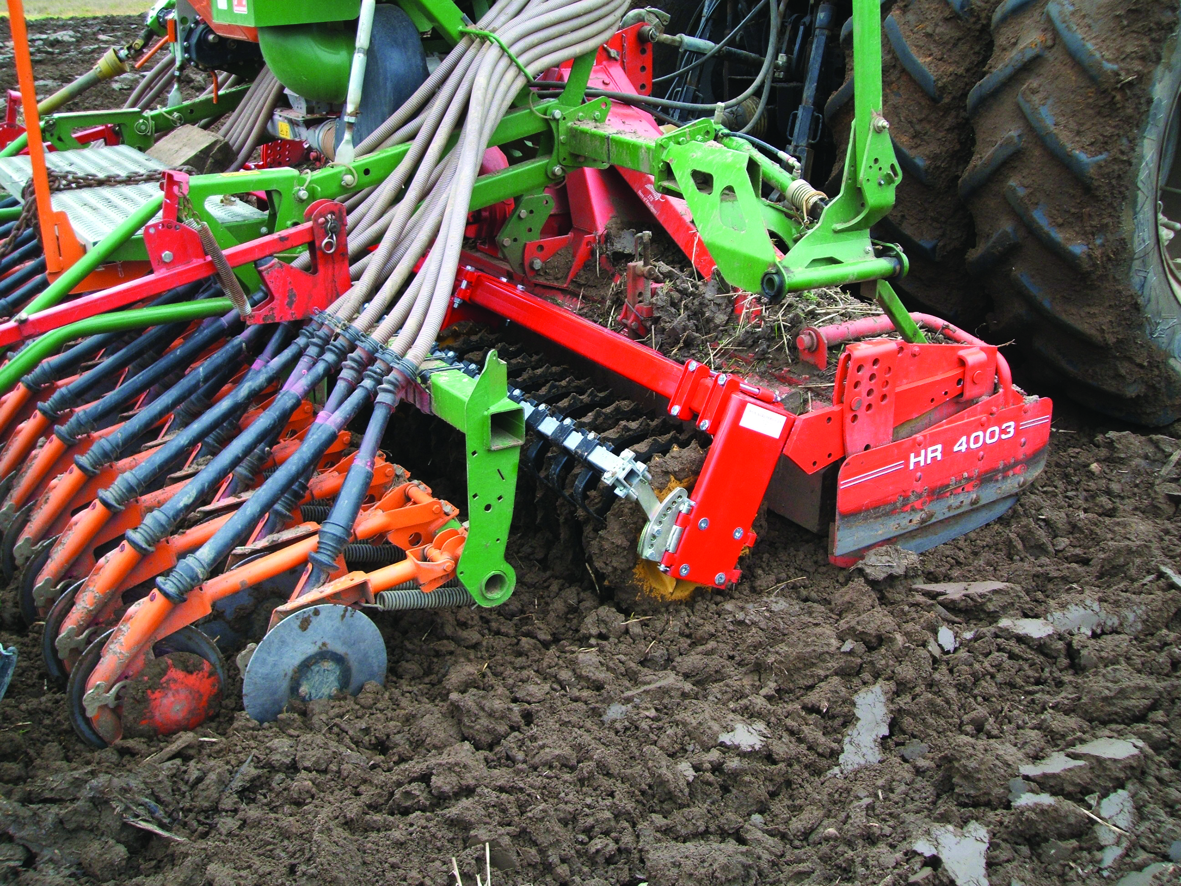 How to choose a cultivator to give Cultivators: reviews. Electric cultivator for gardening 13