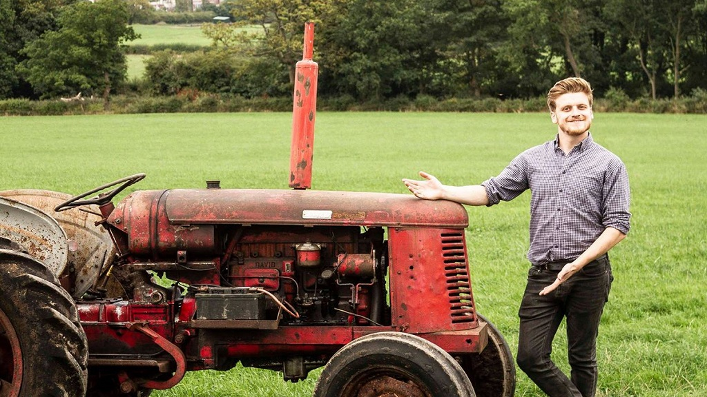 Young Farmer to tackle epic trip on vintage tractor for Cancer Research UK