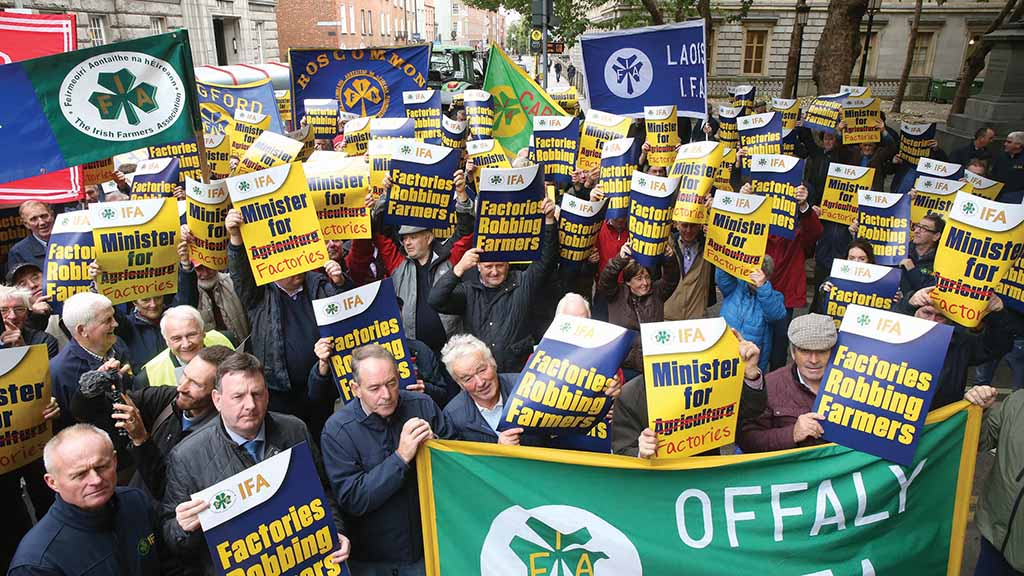 Global ag view: Irish farmers stage protest as beef buyers 'run amok'