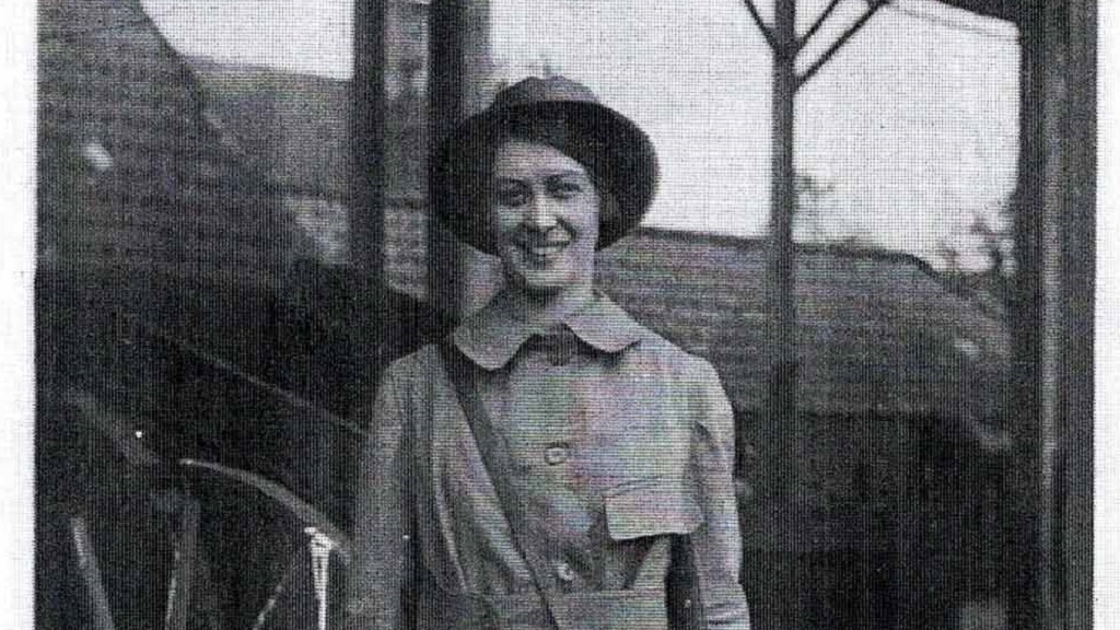 The Land Girls of WW1 - 'They had never seen a woman wear trousers before'
