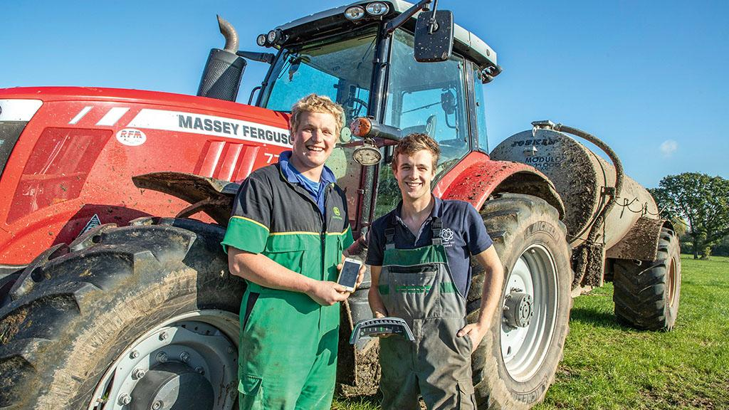 How one dairy farmer is capitalising on a low-cost light bar guidance system