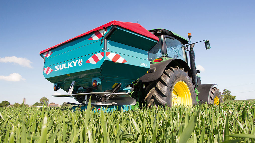 Sulky to show smart small spreader