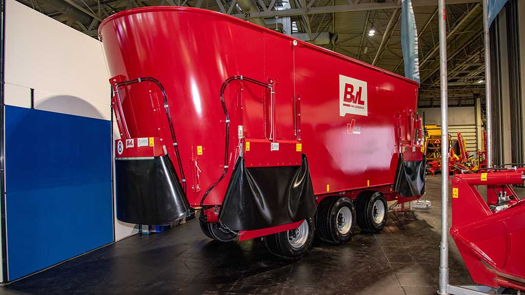 BVL VMix 46 mixer feeder wagon