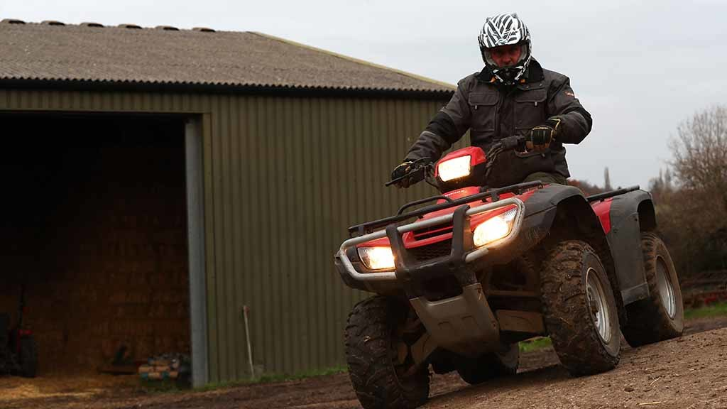 Intelligence Guide: How to make sure you're safe on the farm with machinery