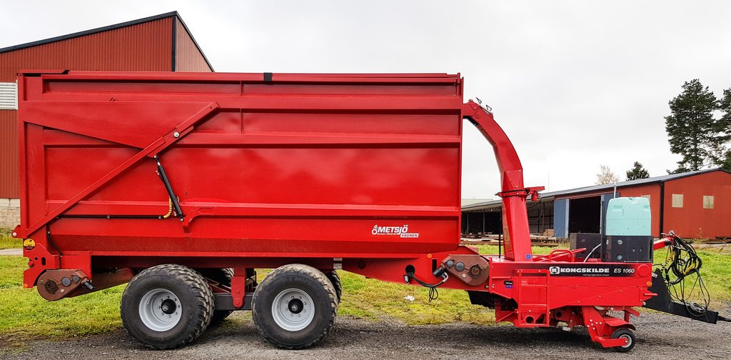 Metsjo trailers can be fitted with an in-line forager from Kongskilde.
