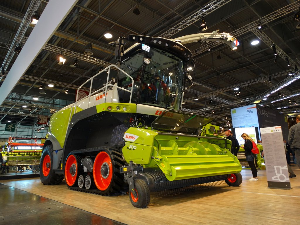 Claas Jaguar TerraTrac 40,000th model