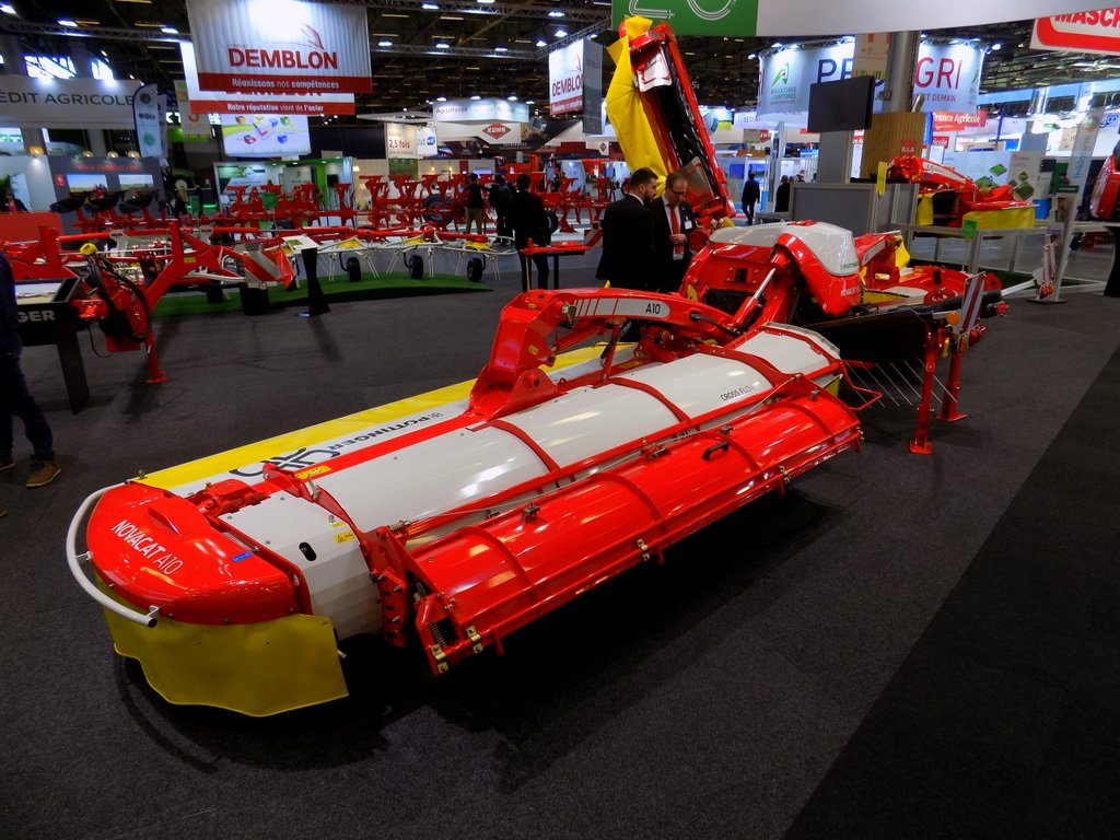 Pottinger Novacat 10 Cross Flow mower