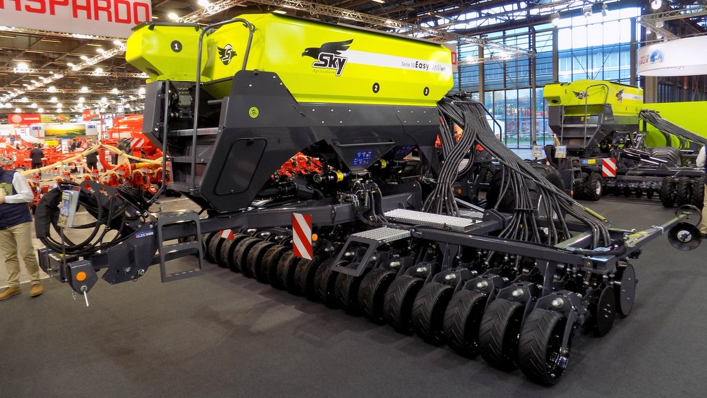 SIMA 2019: Arable and root crop equipment a strong feature at French show