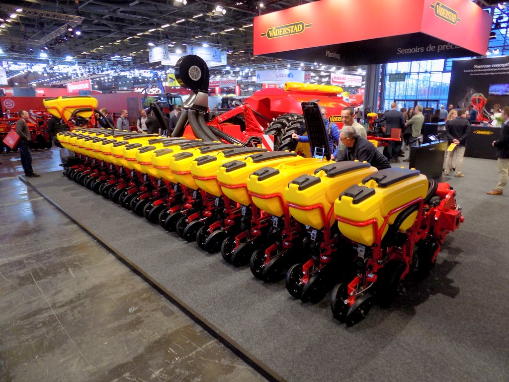 Vaderstad tempo L trailed planters