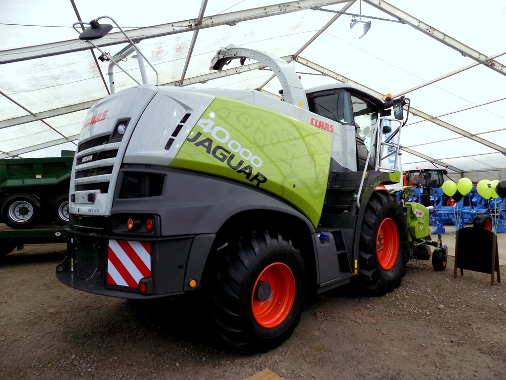A Claas 880 Jaguar with special decals to celebrate the production of 40,000 Jaguars.