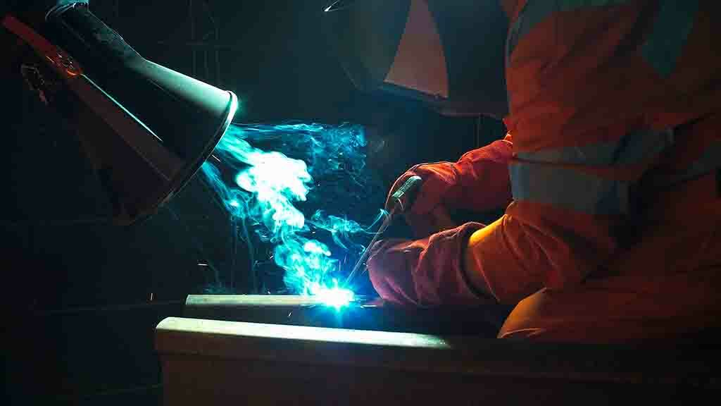 Welding fumes warning: Health and Safety Executive issues new safety rules