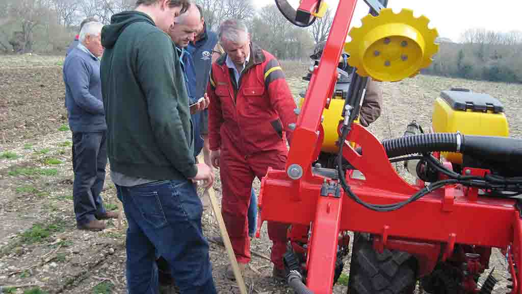 Setting up the machine correctly: Maize drill precision vital for crop success