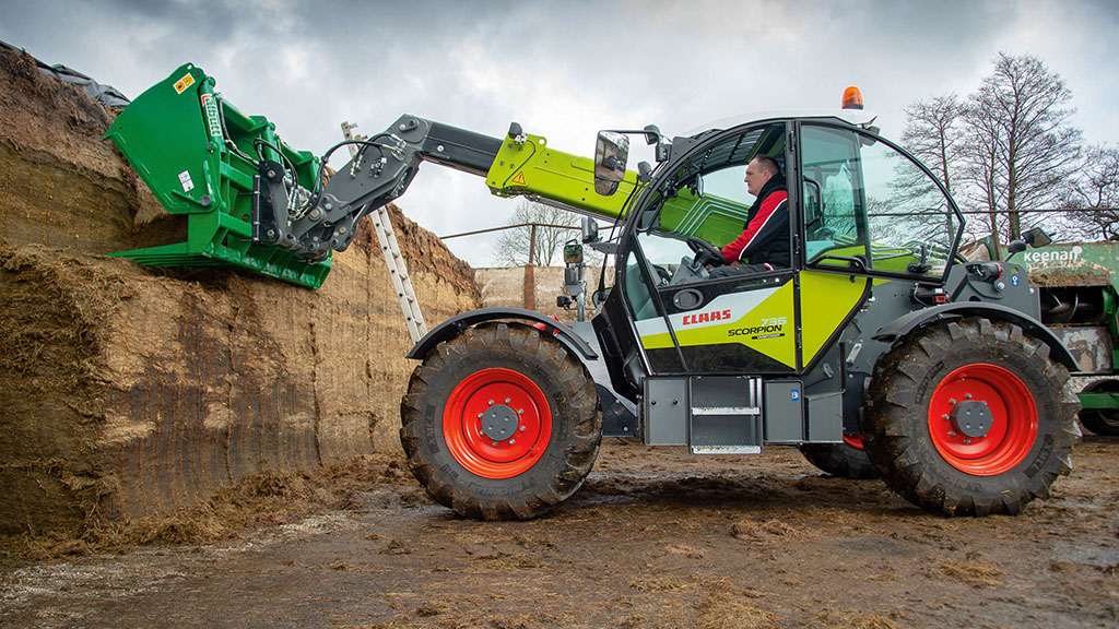 VIDEO: Liebherr-built Claas 736 Scorpion Varipower put to the test