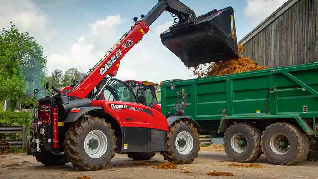 VIDEO: We put Case IH's latest Farmlift telehandler through its paces