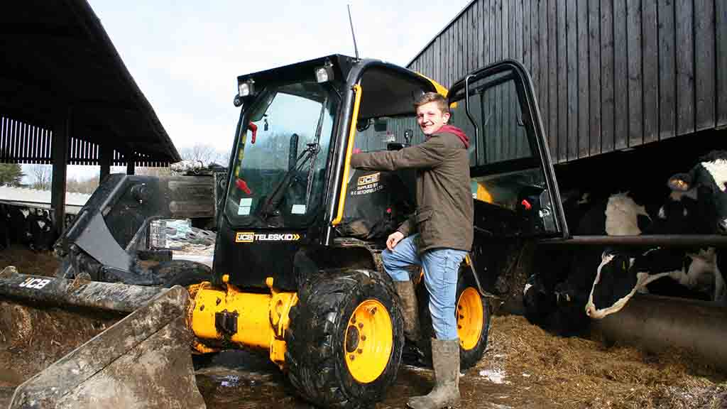 Little JCB telescopic skid-steer fits in at Derbyshire dairy farm