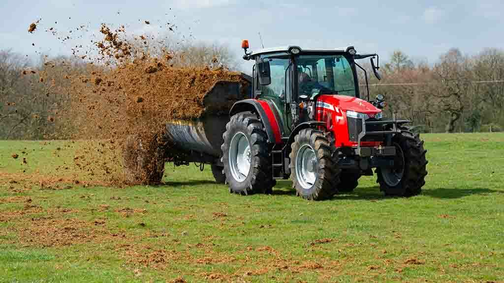 PICTURES/VIDEO: We try out Massey Ferguson's latest addition to the Global tractor series