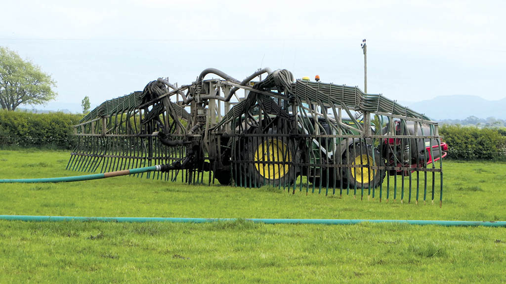 Potential for farmers: Weighing up the benefits of using digestate on grassland