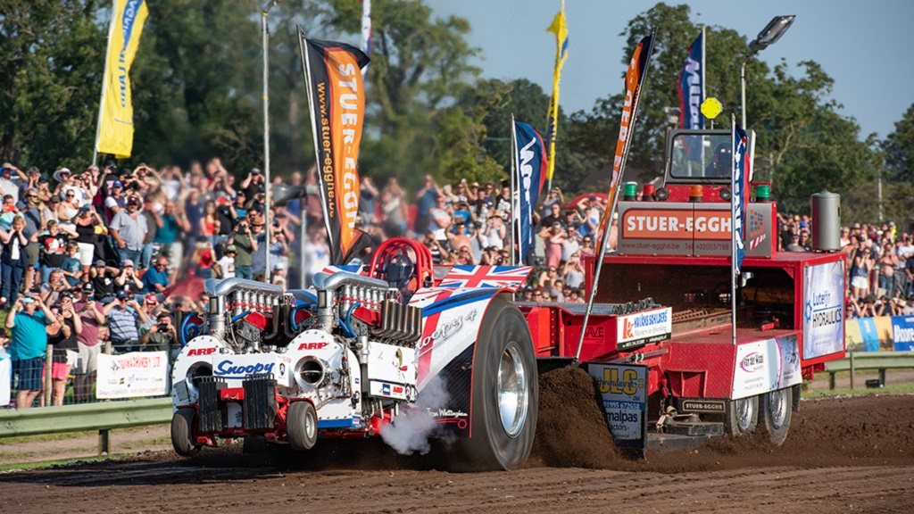 VIDEO EXCLUSIVE: Watch as Guy Martin drives an 8,000hp tractor puller