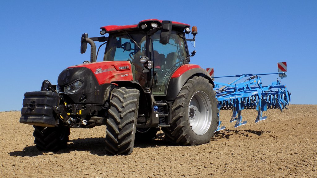 IN PICTURES: We get stuck into Case IH's new Vestrum tractor