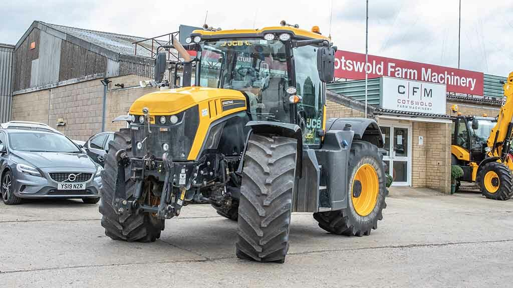 Buyer's Guide: What to look for in a used JCB Fastrac 4000 Series tractor