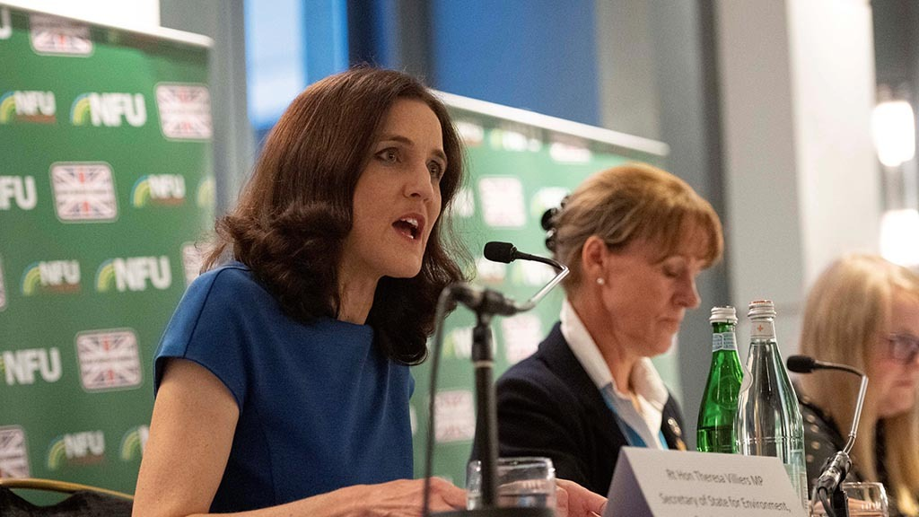 Villiers backtracks on Gove's promise to set up commission to protect food standards