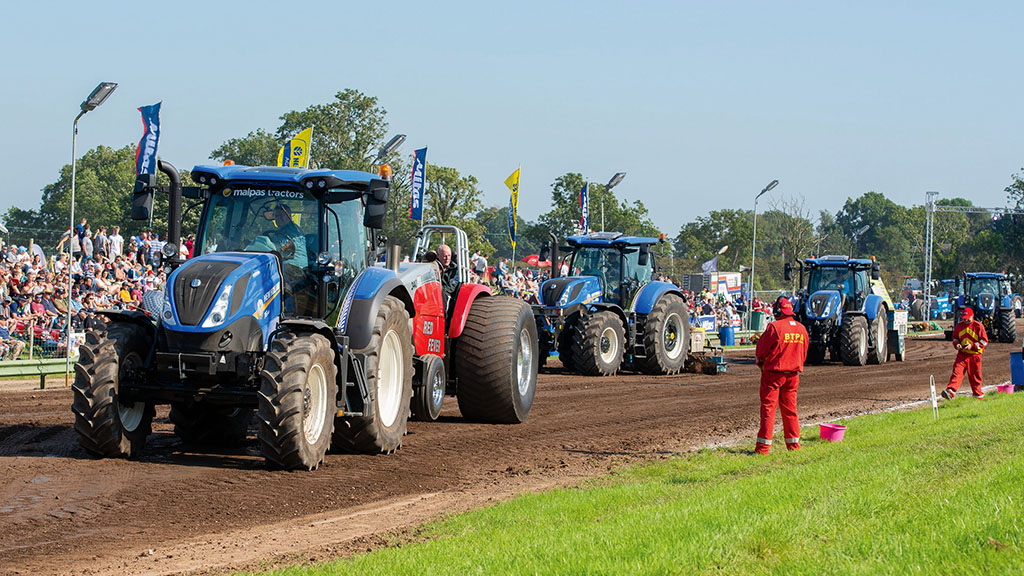 ABOUT TRACTOR PULLING
