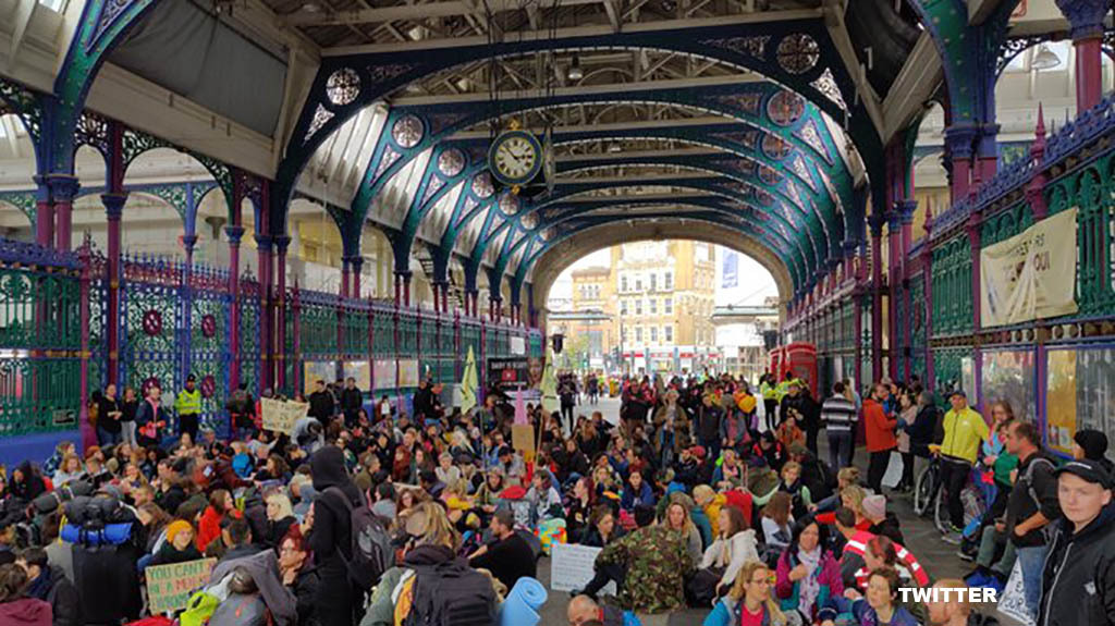 Climate protesters take imported food to Smithfield Market after refusing entry to meat traders