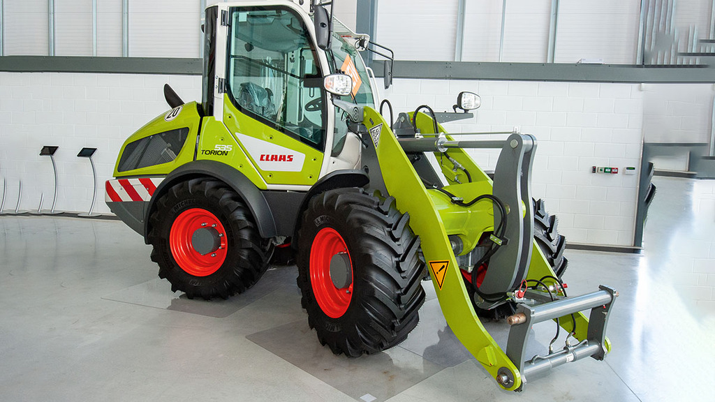 IN PICTURES: Compact pivot steer loader joins Claas' Torion line-up