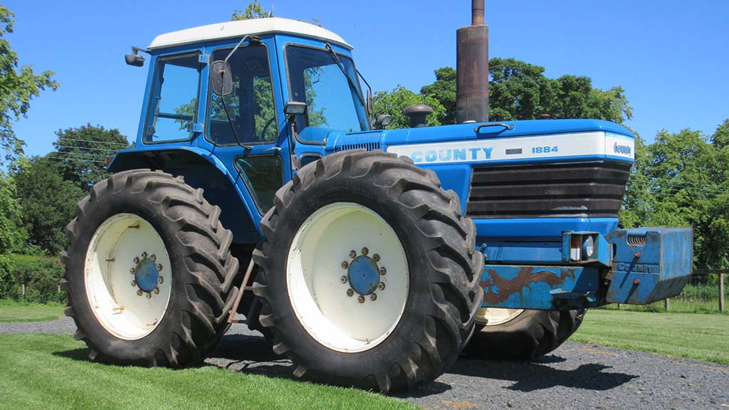 Incredibly rare tractor sells as records smashed at vintage tractor sale