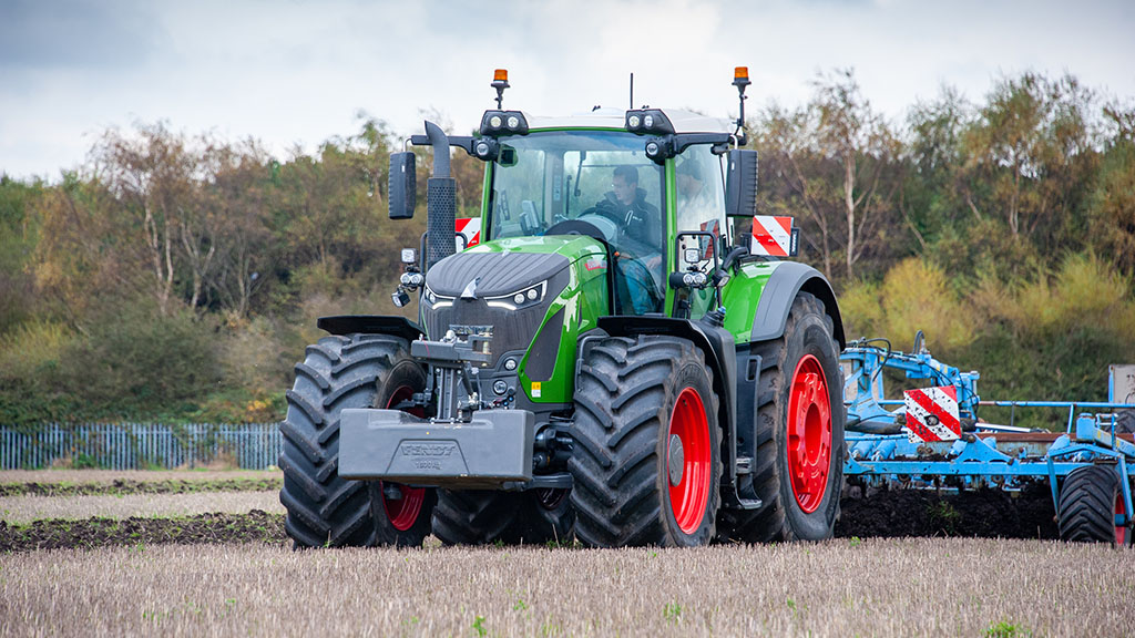 VIDEO: We take an in-depth look at Fendt's latest 942 Vario tractor