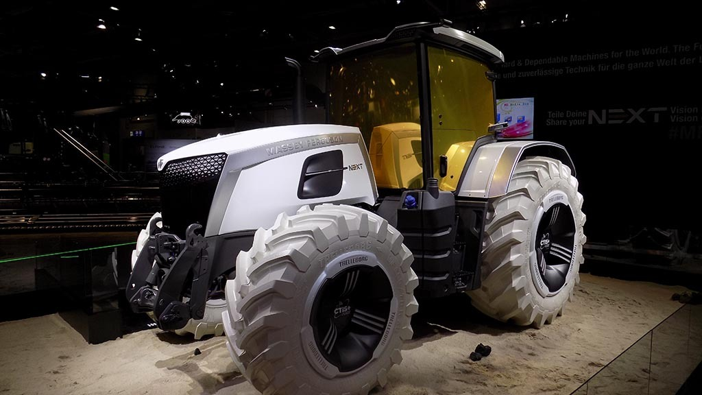 MF shows Next concept tractor
