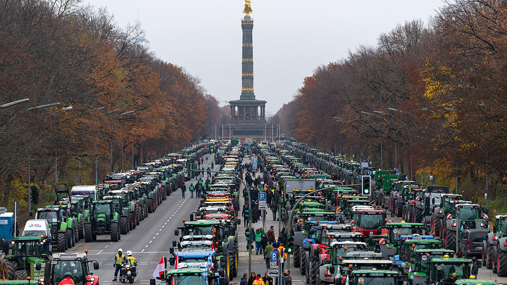 Global Ag View: Farmer protests in Europe grind cities to a halt