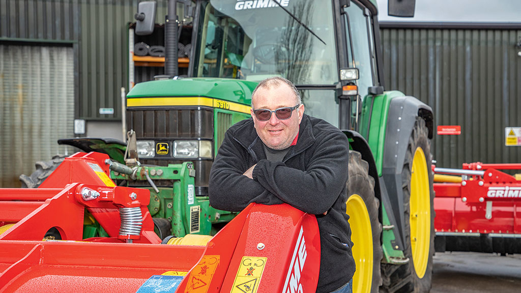 Grower adapting approach with combined mechanical and chemical desiccation solution