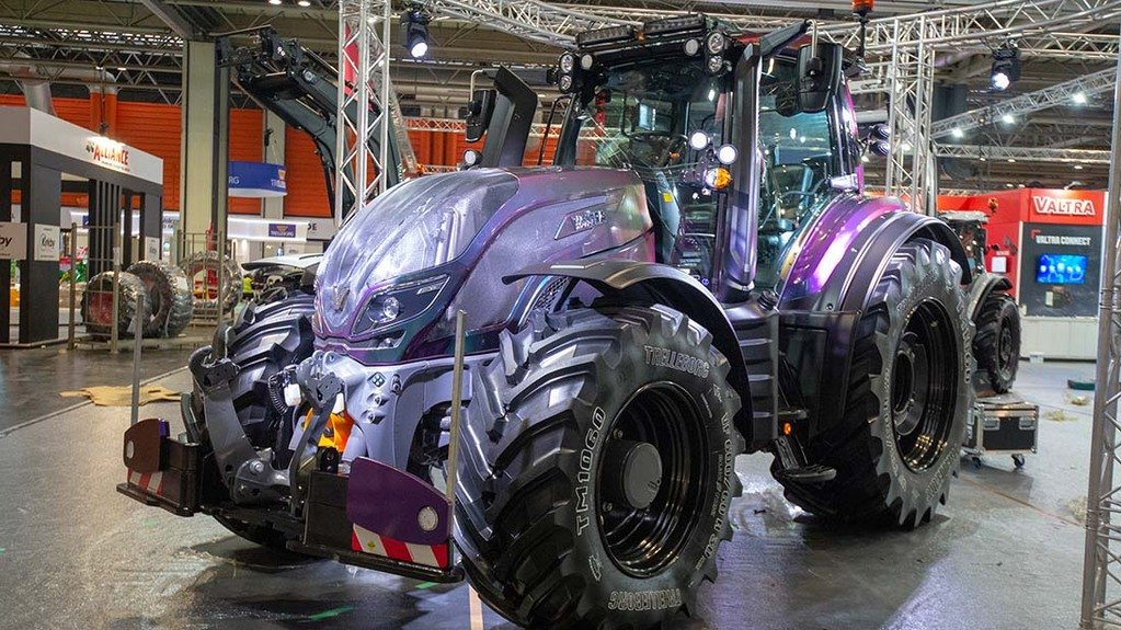 LAMMA Show 2020: Tractors and loaders