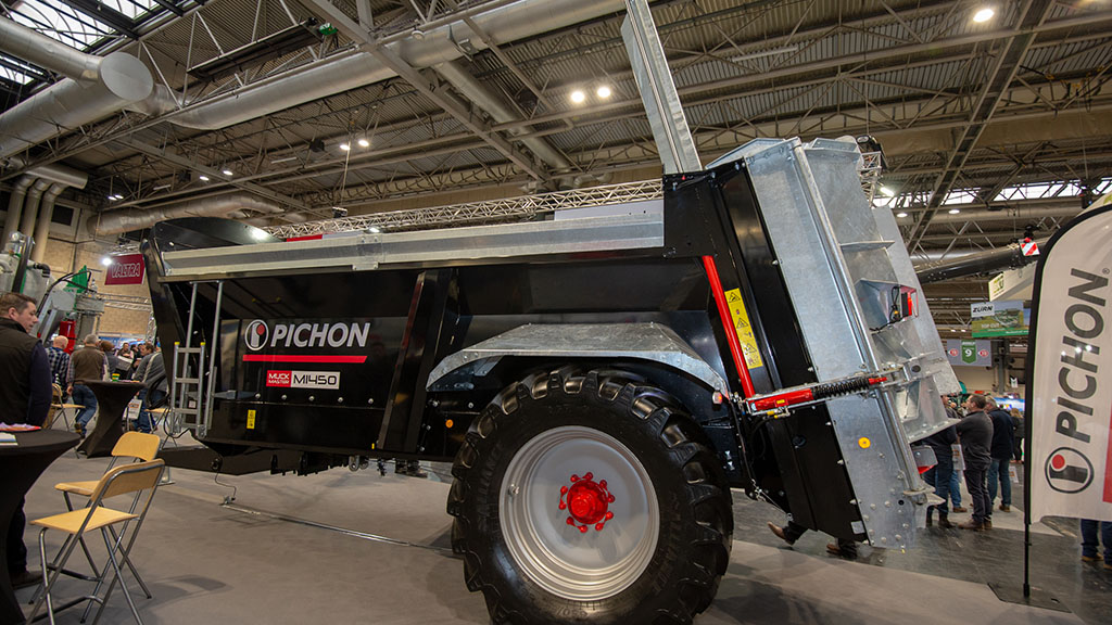Pichon painted spreaders