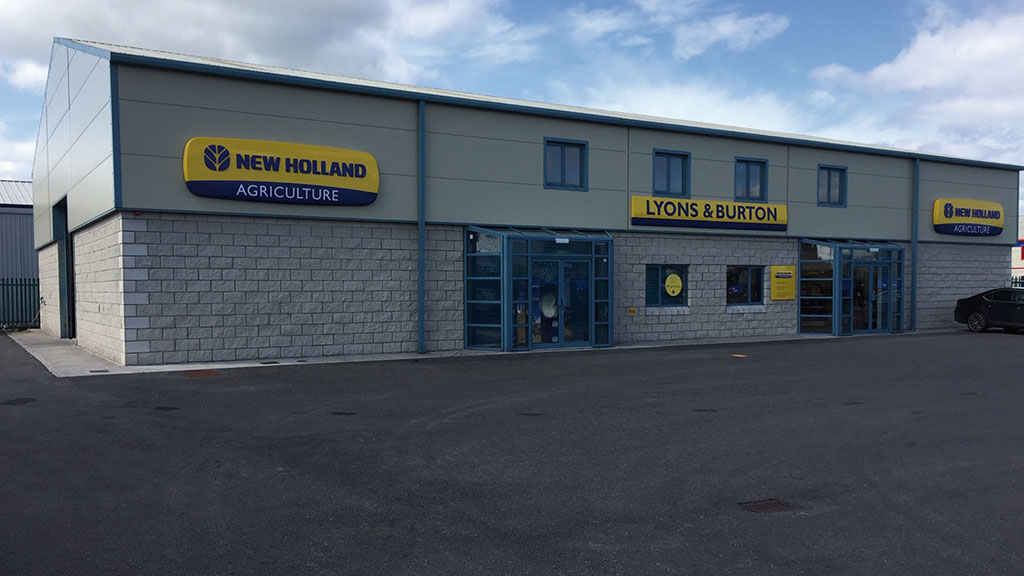 New Holland dealership network expands