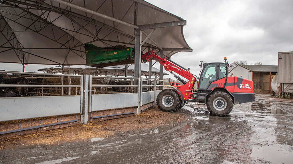 Schaffer's 9640T loader impresses with its strength and robustness