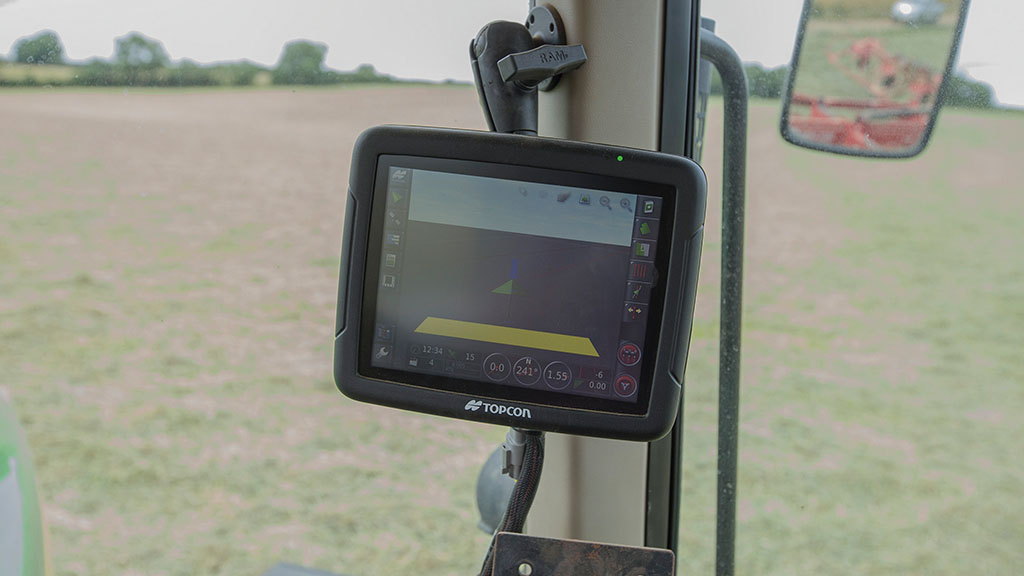 Farmers warned following surge in tractor GPS thefts