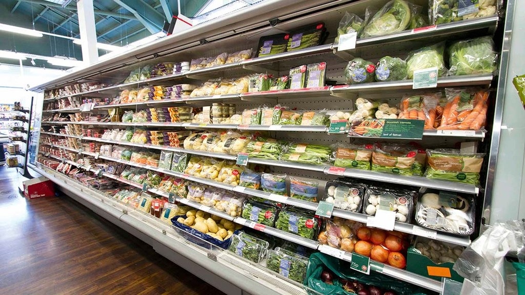 Retailers warn of food price rises as cost of Brexit checks kick in