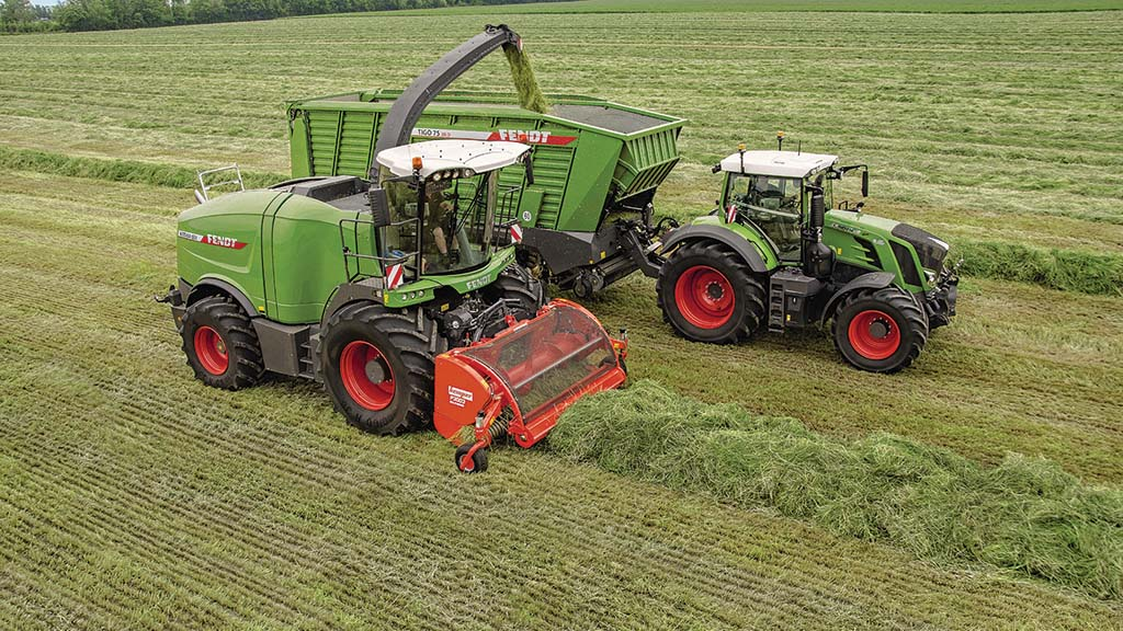 Grassland and muck machinery developments: Self-propelled foragers and forage wagons