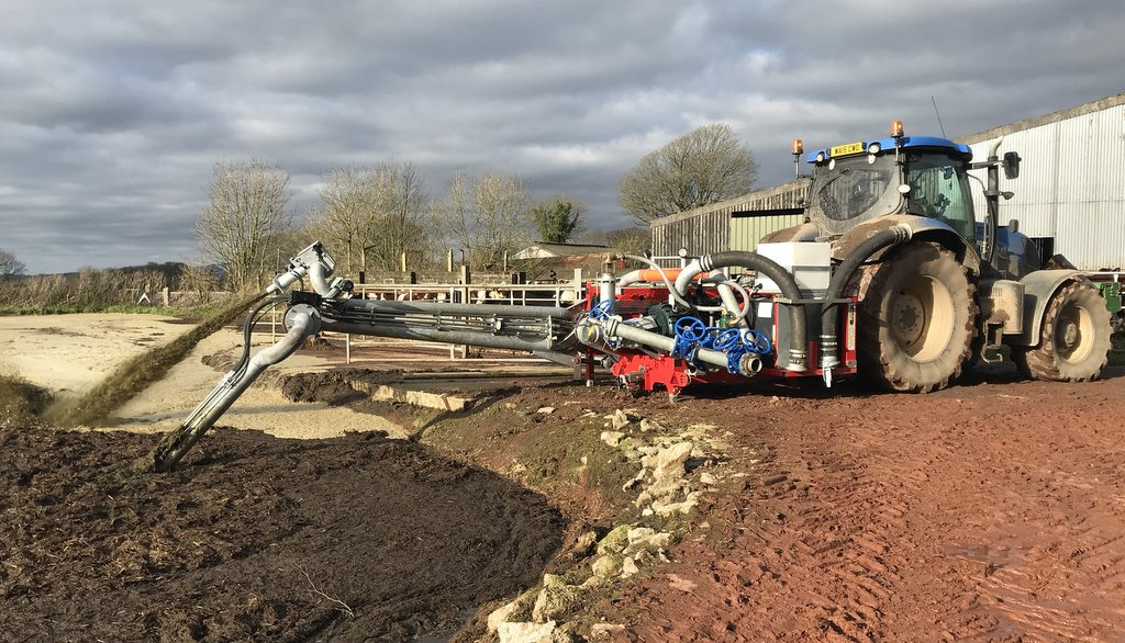 User story: Wox Walrus mounted pumping unit making life easier for Devon contractor