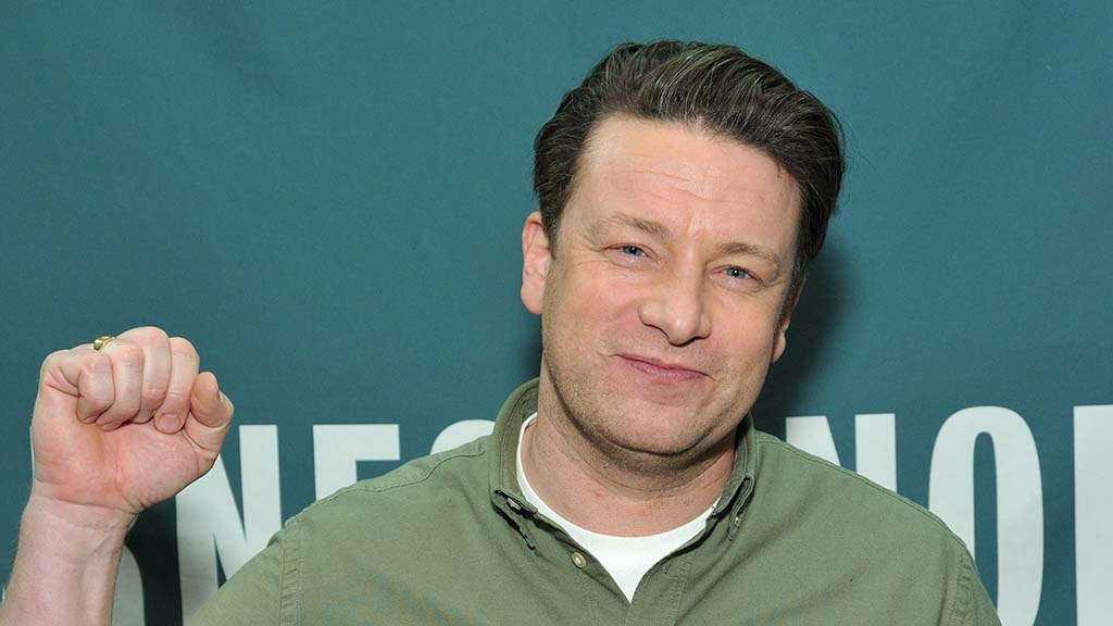 Celebrity chef Jamie Oliver urges Prime Minister not to undermine food standards