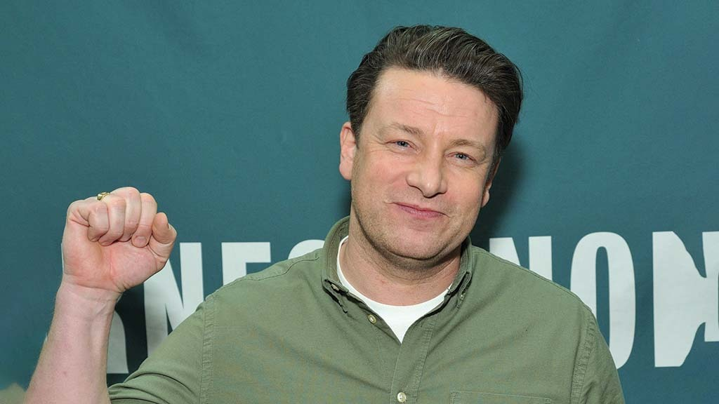 Jamie Oliver hunts down stolen tractor after 'unimpressive' police response